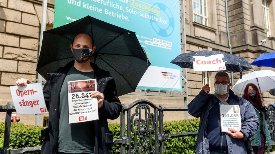 Demonstration von Soloselbstständigen in Berlin (Archiv): Teils massive Umsatzeinbrüche