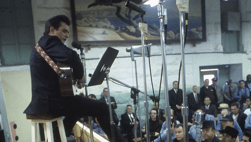 "Live im Folsom Prison: ""Hello, I'm Johnny Cash"""