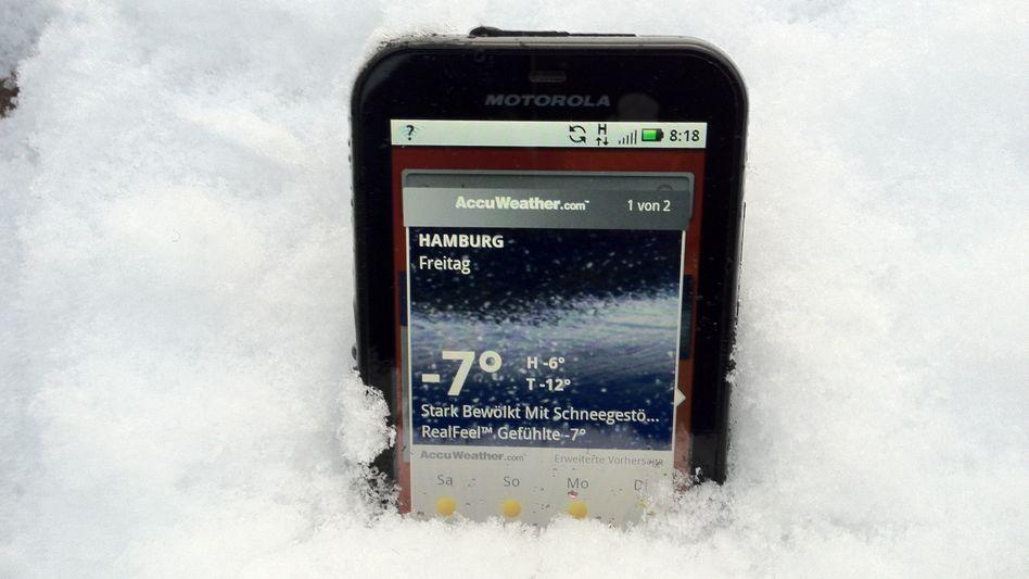 Smartphone in Wintereinsatz: Nicht alle halten tiefen Temperaturen stand
