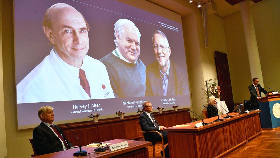 Bekanntgabe der Nobelpreisträger Alter, Houghton und Rice am Karolinska-Institut in Stockholm