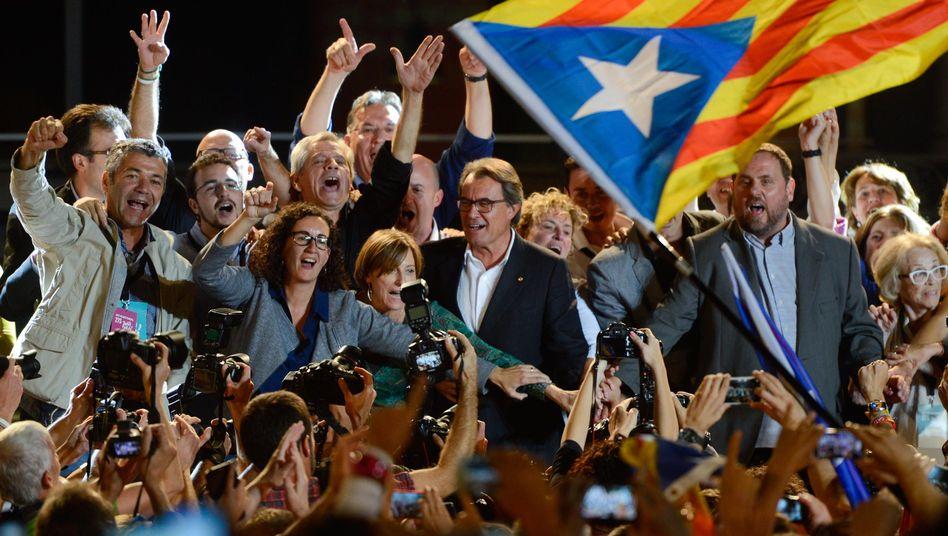 Regionalwahl in Katalonien: Separatisten gewinnen Mehrheit im Parlament