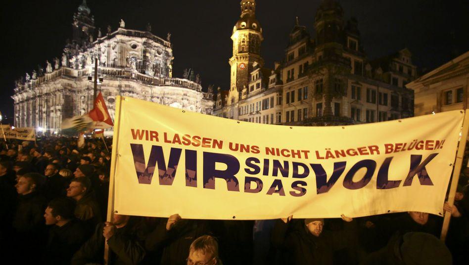 Demonstration gegen Flüchtlinge in Dresden