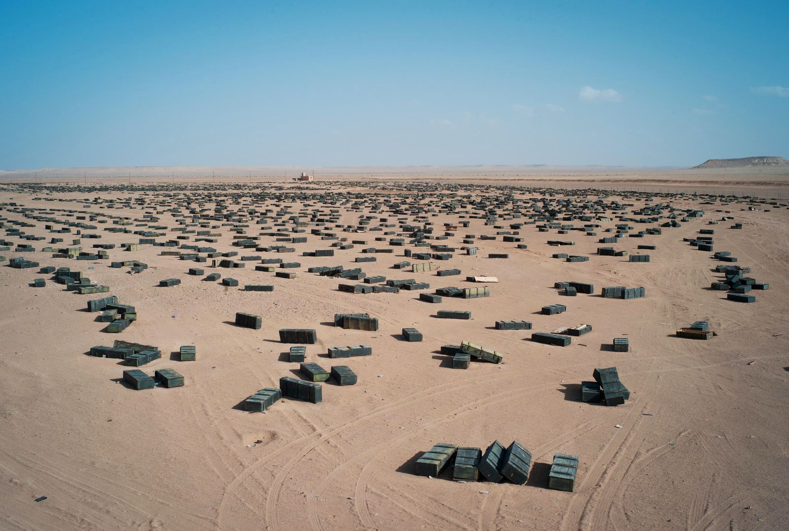 Libyen / Munition / Waffen / Wüste