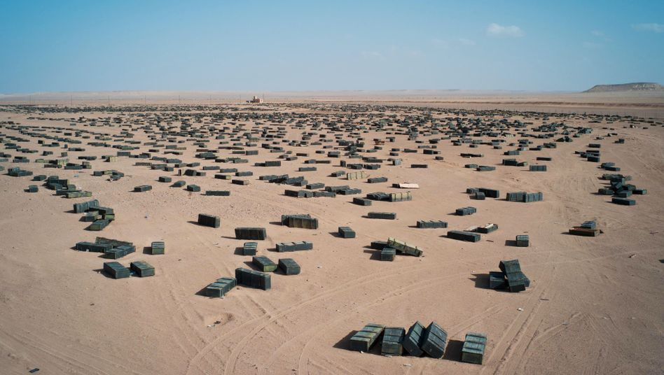 Unbewachte Munitionskisten in der libyschen Wüste: Angst vor SAM-Raketen