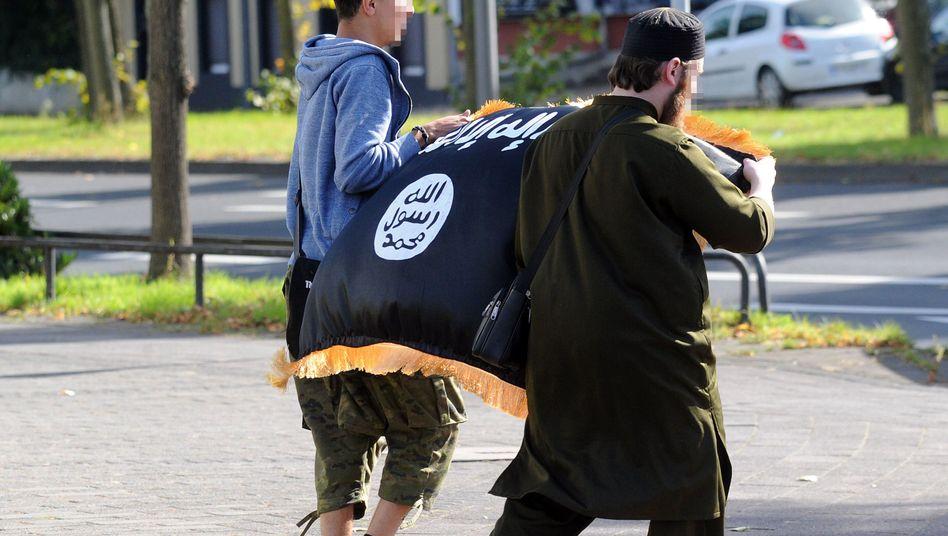 """Salafisten in Deutschland: """"Menschen, die in der Gesellschaft nicht abgekommen sind"""""""