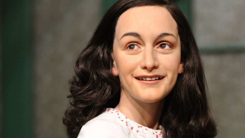 Photo Gallery: Madame Tussauds' Anne Frank