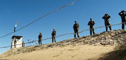 Indische Truppen an der Grenze zu Pakistan: Zunehmende Spannungen