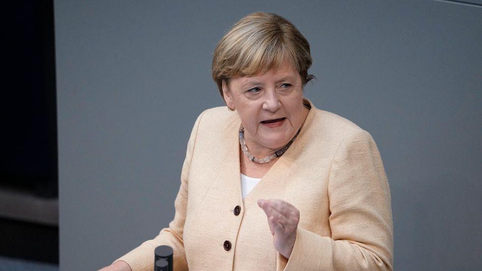 Angela Merkel am Dienstag im Bundestag: Die schwarz-roten Bundesregierungen der letzten zwei Legislaturperioden haben dabei versagt, ihre eigenen Klimaziele einzuhalten