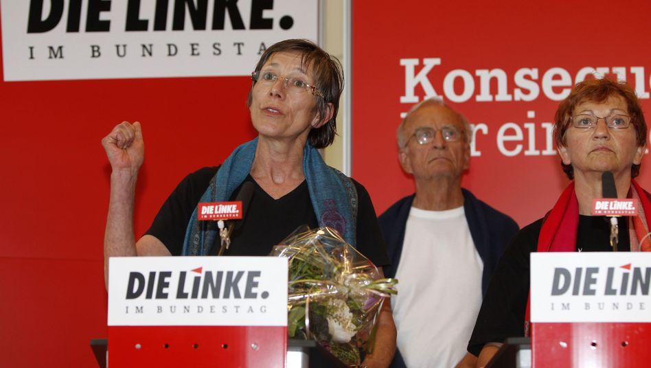 Linken-Abgeordnete Groth (l.), Höger, Völkerrechtler Paech: