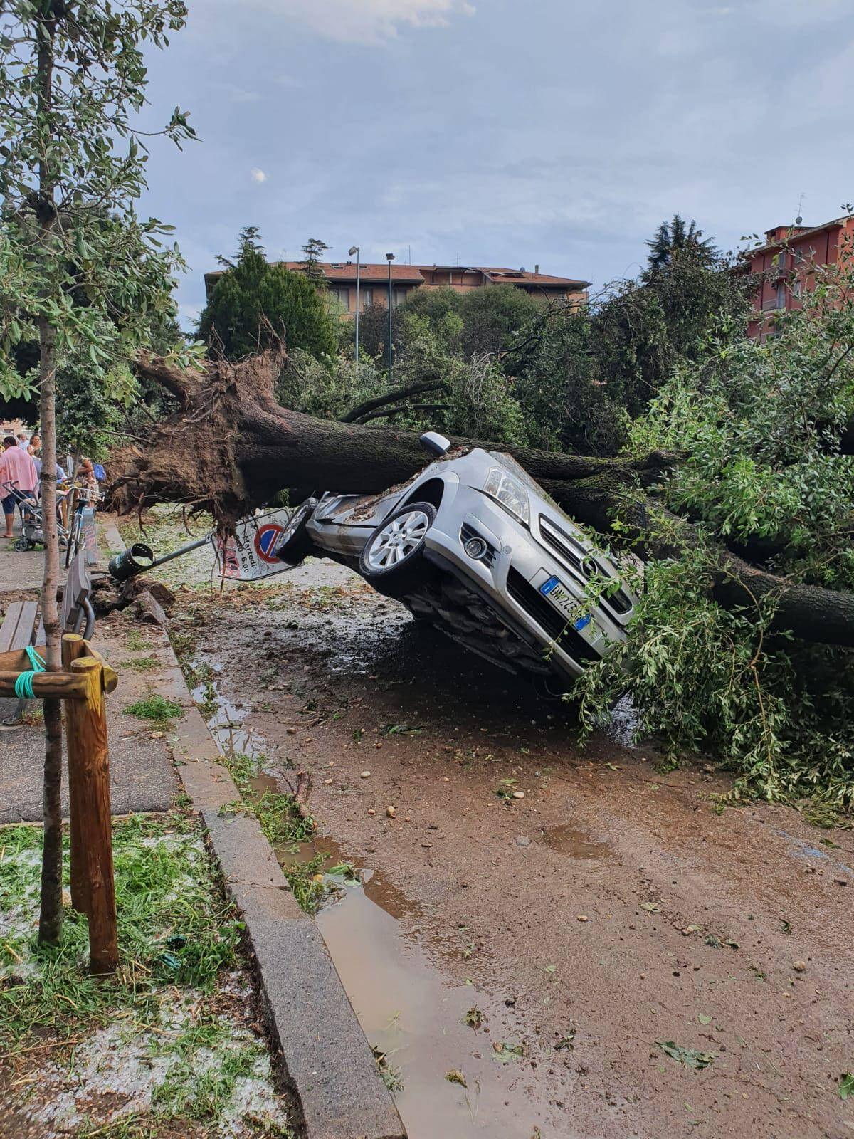 Foto IPP/Emanuele Pennacchio Verona 24/08/2020 Maltempo - i danni provocati dal nubrifagio e dalla violenta grandinata