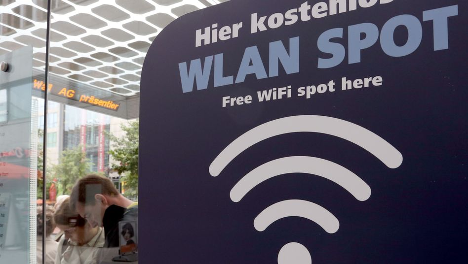 WLAN-Hotspot in Berlin (Archivbild): Anbieter sollen Sicherheitsvorkehrungen treffen