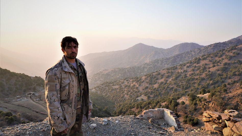Der afghanische Grenzsoldat Sayyed Agha ist wütend auf die Kabuler Politiker: »Sie würden ihre eigenen Söhne niemals hierherschicken«