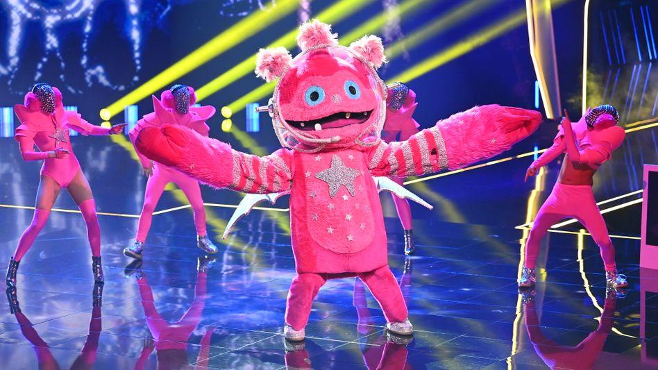 »The Masked Singer«-Kostüm Monstronaut : Das Lovechild zweier ehemaliger Teilnehmer