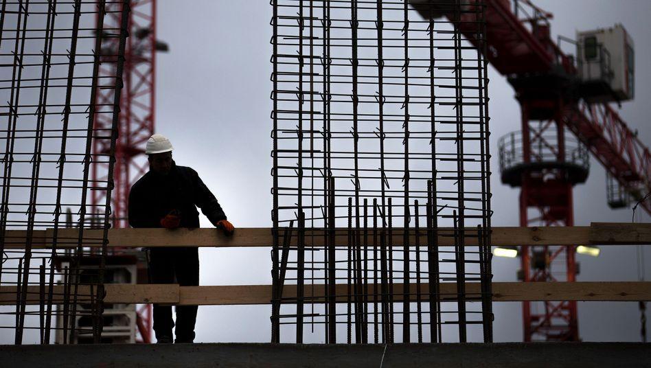 """Arbeiter auf einer Baustelle: """"Mindestlohn wird die Schwarzarbeit zurückdrängen"""""""