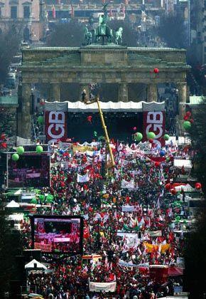 Brandenburger Tor: Zur zentralen Kundgebung versammelten sich rund 250.000 Menschen