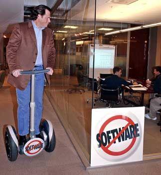 Benioff mit Segway-Scooter: Mini-Dell der Software-Branche