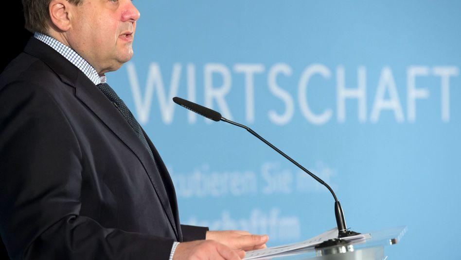 Wirtschaftsminister Gabriel Anfang April in Berlin: Er will die SPD positionieren