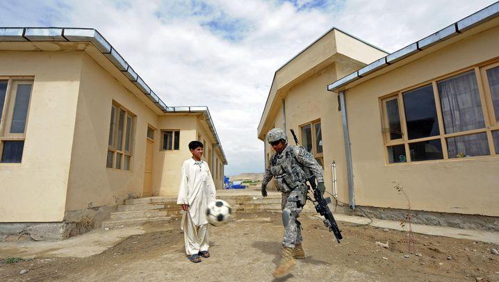 Wiederaufbau in Afghanistan: Milliarden für zivile Strukturen