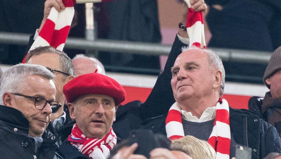 Bayern Münchens Präsident Uli Hoeneß beim Heimspiel gegen den BVB