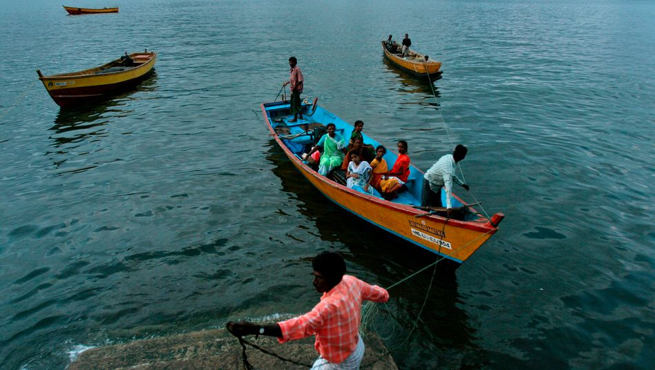 Fischer vor Port Blair im Indischen Ozean (Bild von 2007): Die Ureinwohner der Andamanen bewohnen die abgelegeneren Inseln