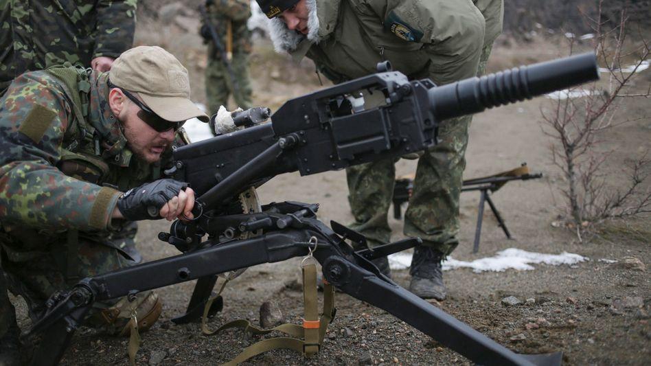 Training in Mariupol: Der Ukraine geht das Geld aus