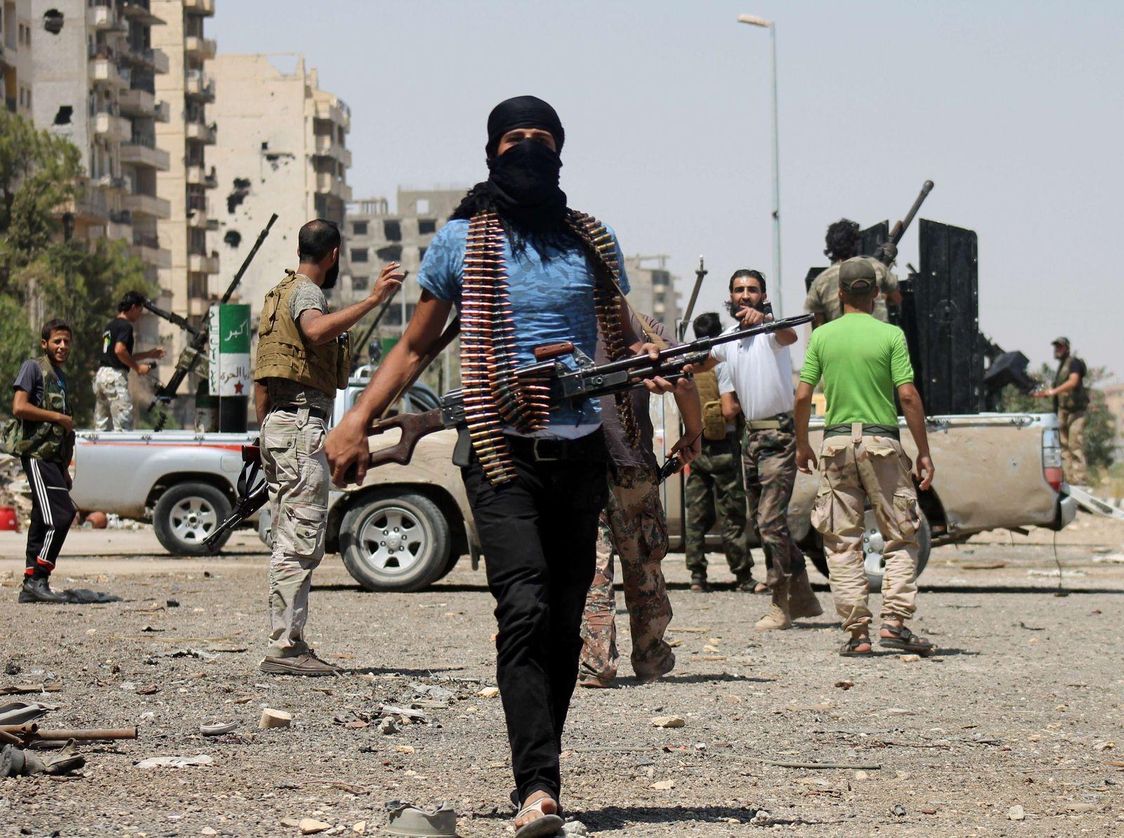 США продолжают грабить Сирию при помощи террористов: экс-боевики ИГ отсиживаются на военных базах