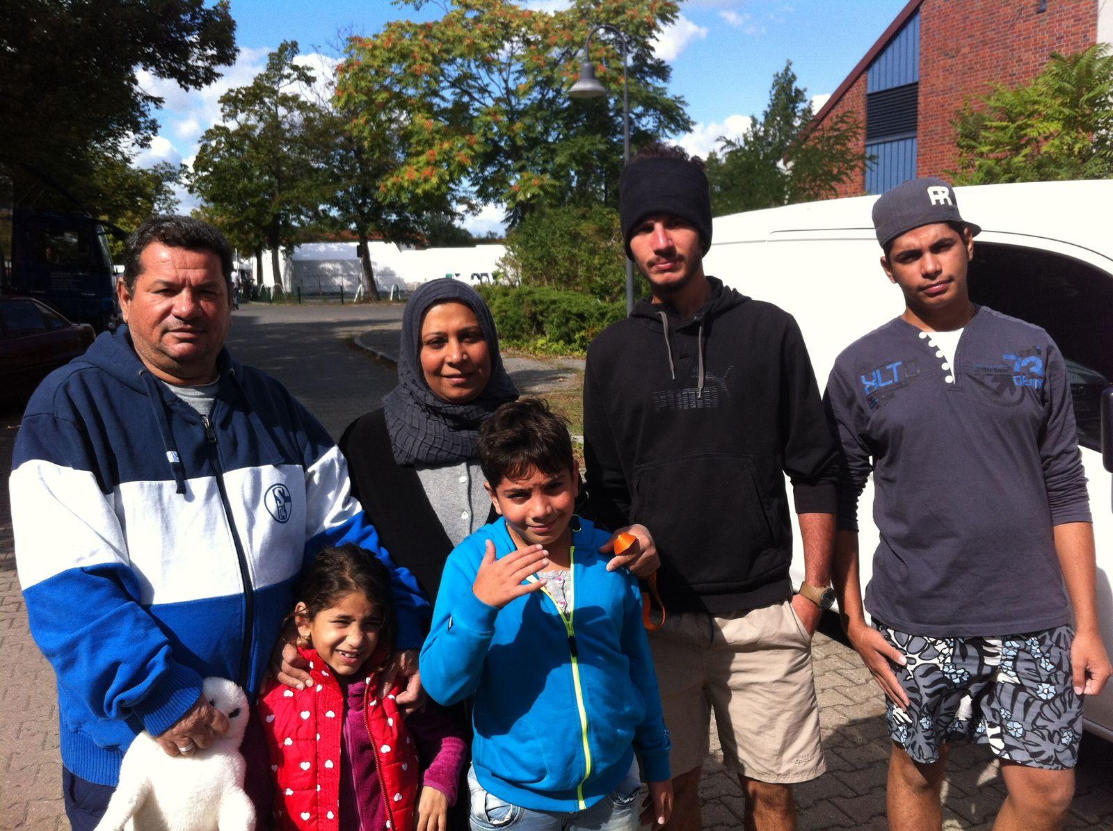 EINMALIGE VERWENDUNG Irakische Fluechtlingsfamilie/ Berlin