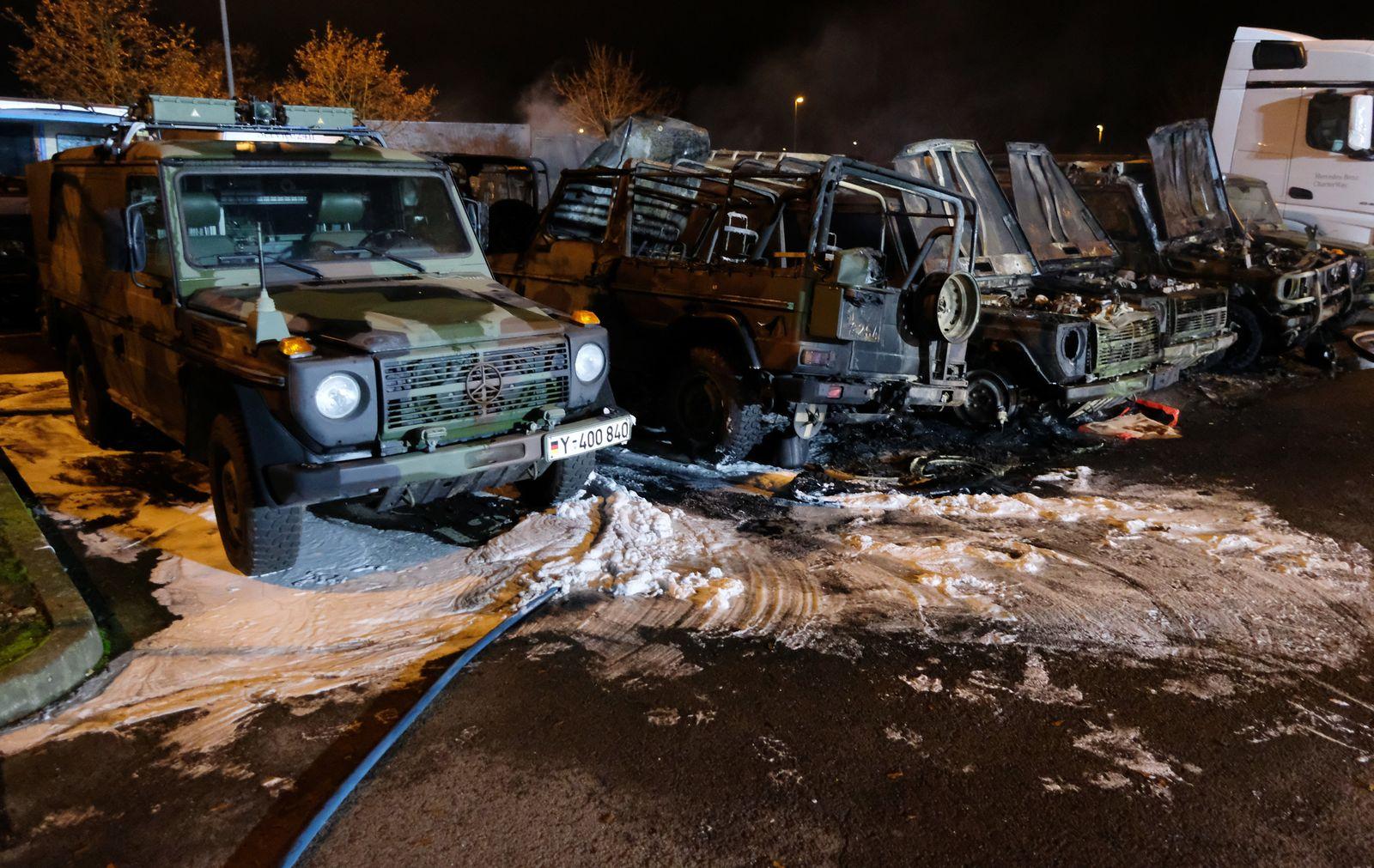 Bundeswehrfahrzeuge in Leipzig abgebrannt