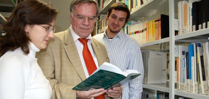 Ulrich Teichler (Mitte): Wer schreibt, der bleibt