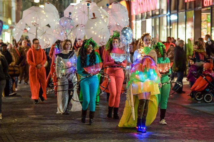 Funkelveranstaltung in Halle (2017): Krönung der Lichterfee