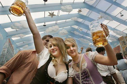 Oktoberfest in München: Mindestens einmal noch sind Zigaretten hier gestattet