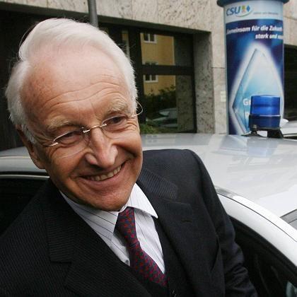 Gelöst wie selten: Noch-Parteichef und -Ministerpräsident Stoiber