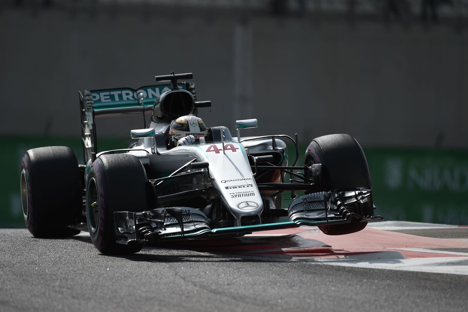 AUTO-PRIX-F1-UAE-PRACTICE