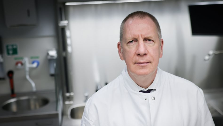Christopher Röcken, Chef der Pathologie in Kiel