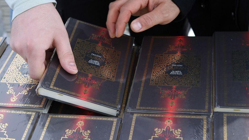 """Umstrittene Koran-Verteilung: """"Wir brauchen einen Pakt gegen den Salafismus in Deutschland"""""""