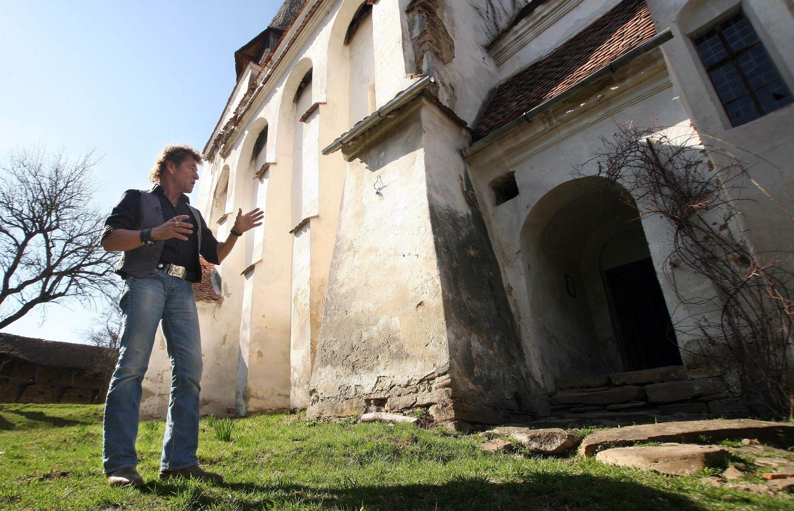 Peter Maffay besorgt um Kirchturm in seiner Heimat Siebenbürgen