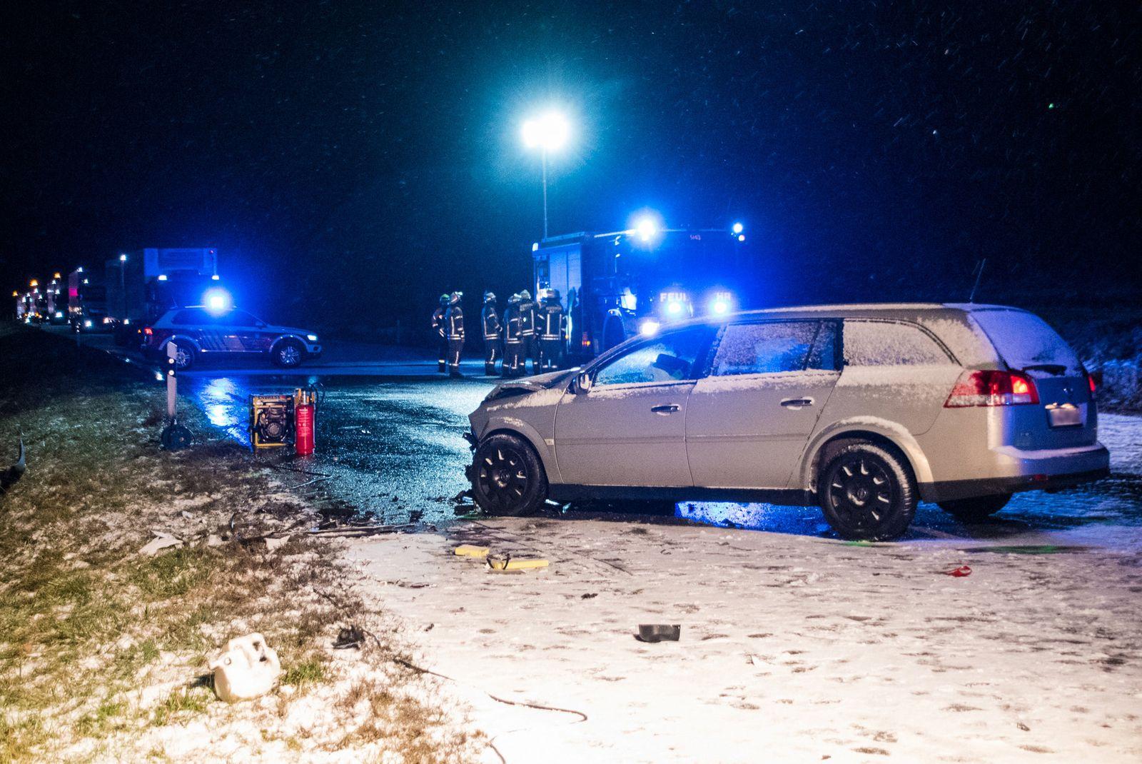 Tote nach Unfall bei Glätte in Baden-Württemberg