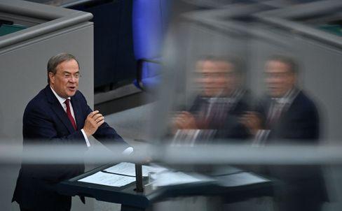 Armin Laschet bei seiner Rede im Bundestag