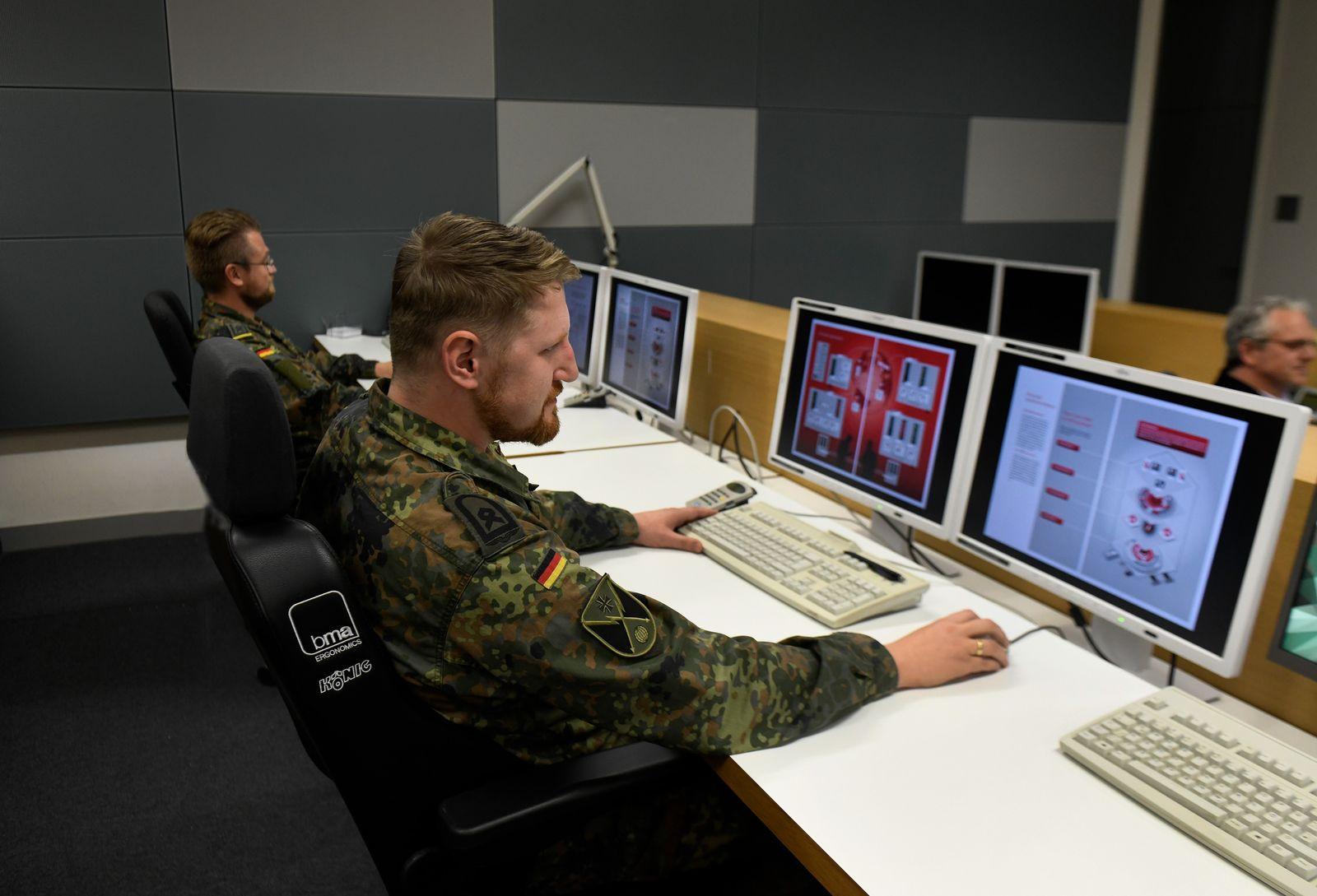 EINMALIGE VERWENDUNG Bundeswehr Computer
