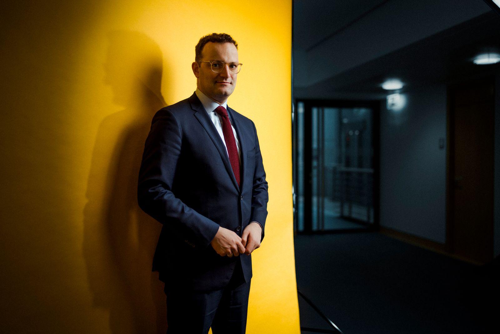 Jens Spahn, MdB (CDU), Bundesminister für Gesundheit, fotografiert im Bundesministerium für Gesundheit