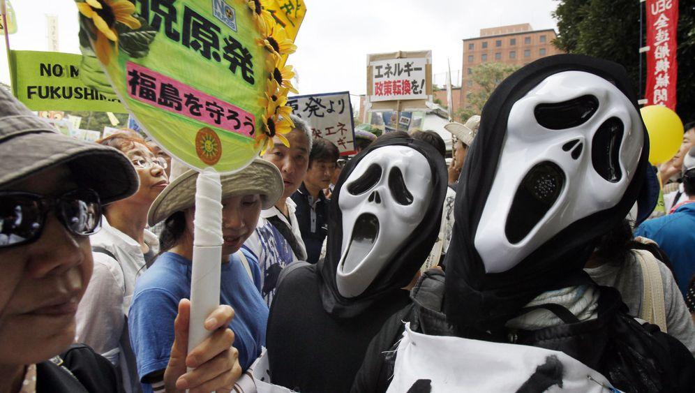 Demo in Tokio: Aufschrei gegen Atomkraft