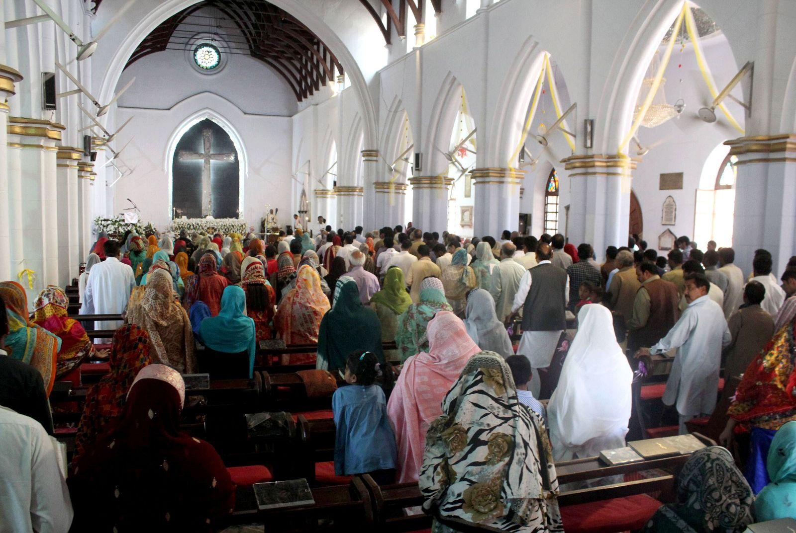 EINMALIGE VERWENDUNG Pakistain/ Christen