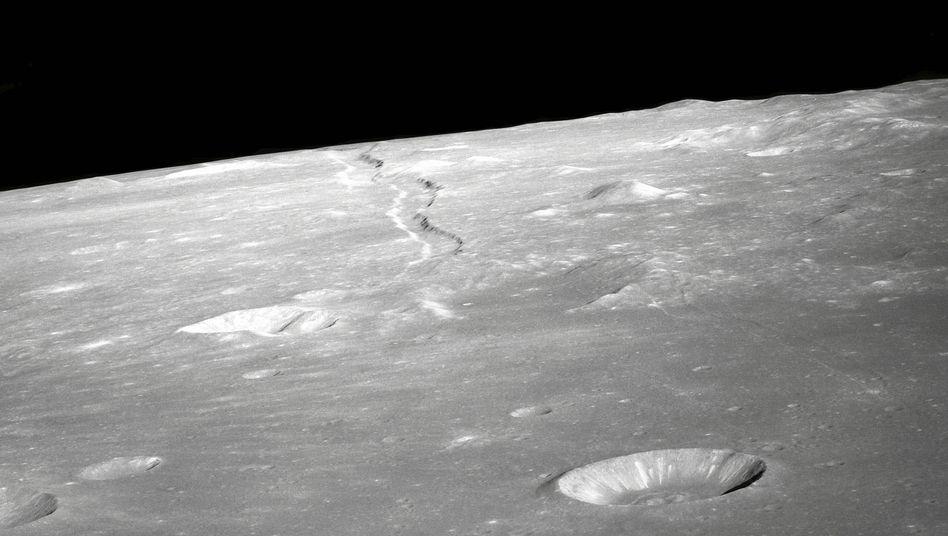 Mondboden: Wie viel Wasser verbirgt sich in der Tiefe?