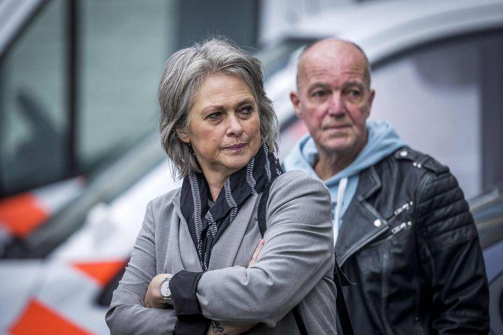 Berthie und Peter Verstappen, die Eltern des Opfers, beim Gericht in Maastricht