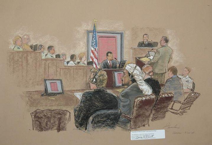 """Salim Hamdan vor dem Tribunal (Gerichtszeichnung): """"Es war traurig zu sehen, dass Unschuldige getötet wurden"""""""