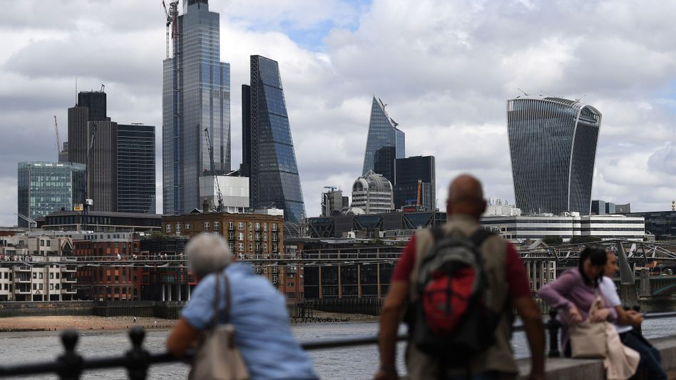 Skyline der Londoner City: Für viele in Großbritannien lebende EU-Bürger könnte es nach einem harten Brexit empfindliche Einschränkungen geben