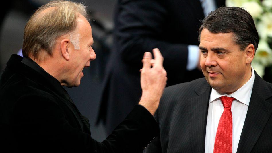 Grüner Trittin, SPD-Chef Gabriel: Zahlt sich die Öko-Masche politisch aus?
