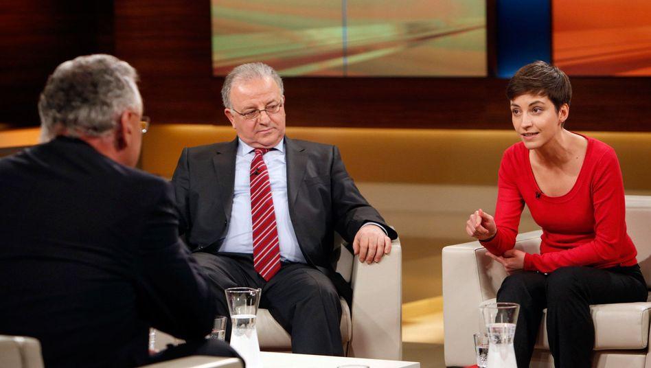 Und sie haben etwas dazu zu sagen: Joachim Herrmann (CSU), Kenan Kolat (Vorsitzender der Türkischen Gemeinde in Deutschland e.V.) und Ska Keller (B90 / Die Grünen).