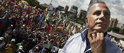 Oppositionskandidat Rosales: Wohltaten mit einer Art Kreditkarte