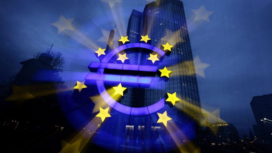 EZB in Frankfurt am Main: Welche Note bekämen Euro-Bonds?